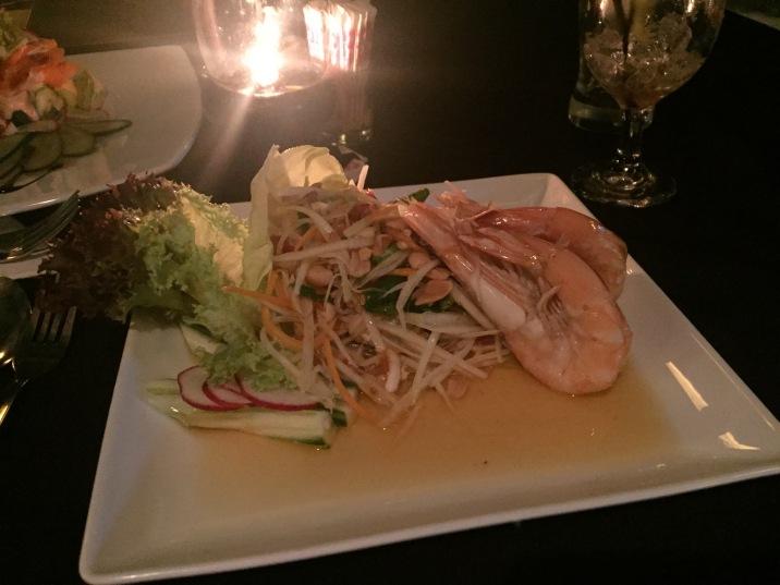 Papaya salad and prawns