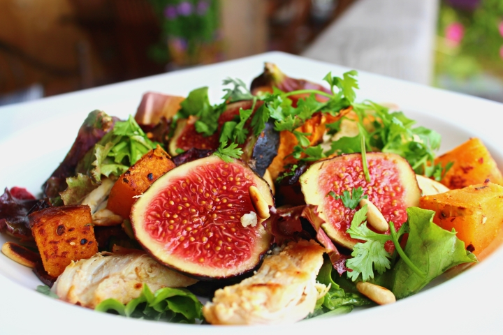 FRESH FIG & ROASTED BUTTERNUT SQUASH SALAD / SALADE AUX FIGUES & A LA COURGE BUTTERNUT RÔTIE AU FOUR